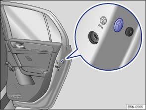 Volkswagen Golf Owners Manual - Locking the front passenger door and